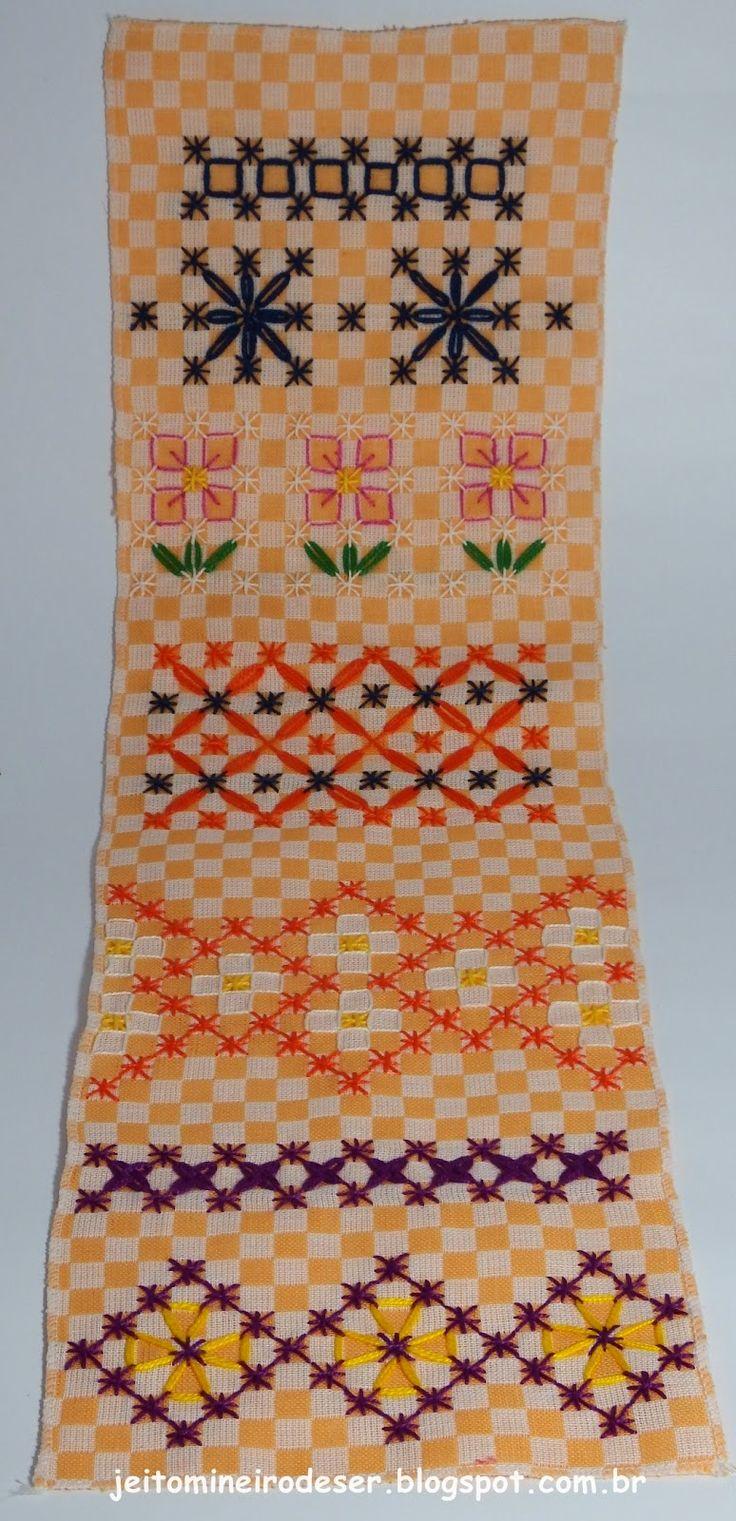 A ideia/desejo? Fazer panos de prato com barrinhas enfeitadas com bordado em tecido quadriculado. Este bordado foi uma febre entre ...