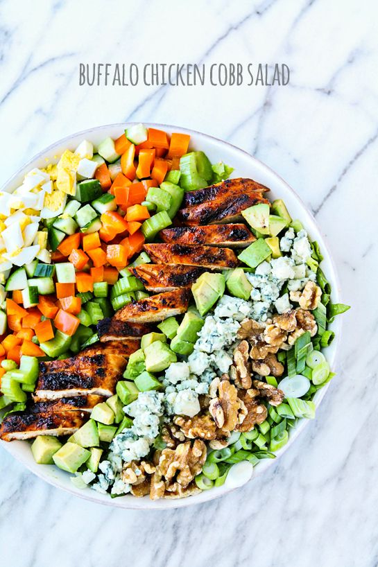 Buffalo Chicken Cobb Salad. Such a delicious salad dinner recipe. Healthy and great for the whole family.