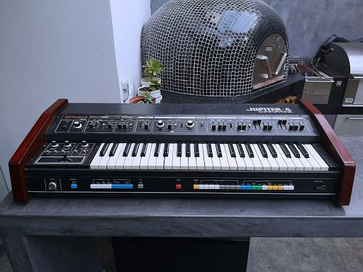 Roland Jupiter 4 Vintage Analog Synthetizer w/ Case | Audio