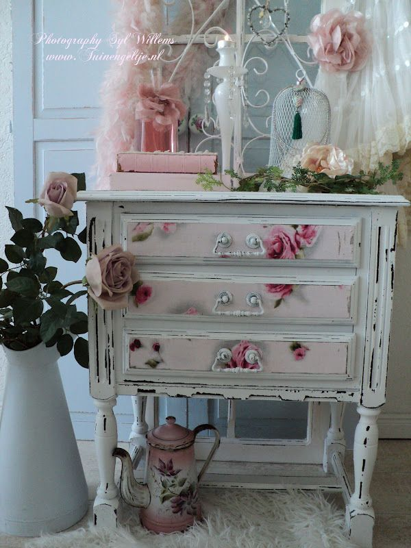 Pretty Shabby Chic style ideas Check out some of my tables that you could do this too.... www.shabbychicstuff.com