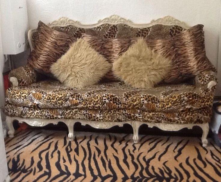 leopard print louis style sofa rococo chaise antique shabby chic unique shabby. Black Bedroom Furniture Sets. Home Design Ideas