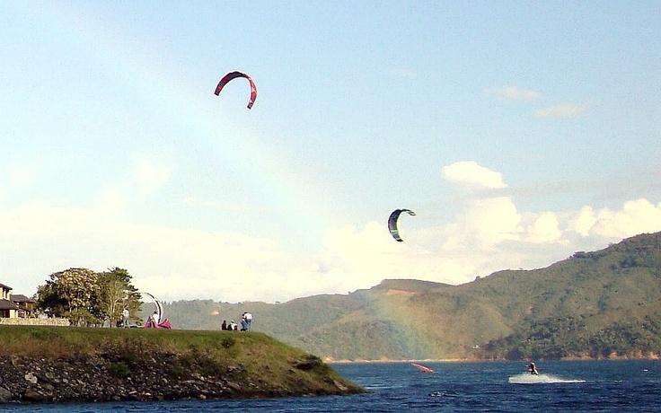 Kitesurfing the rainbow