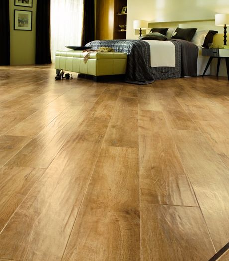 Karndean Art Select Spring Oak RL01 vinyl flooring offers beauty and warmth of a traditional blonde oak floor. This classic looking pale blonde oak creates an airy, fresh feeling space and has a gently moulded surface for a traditional 'hand scraped' timber look.