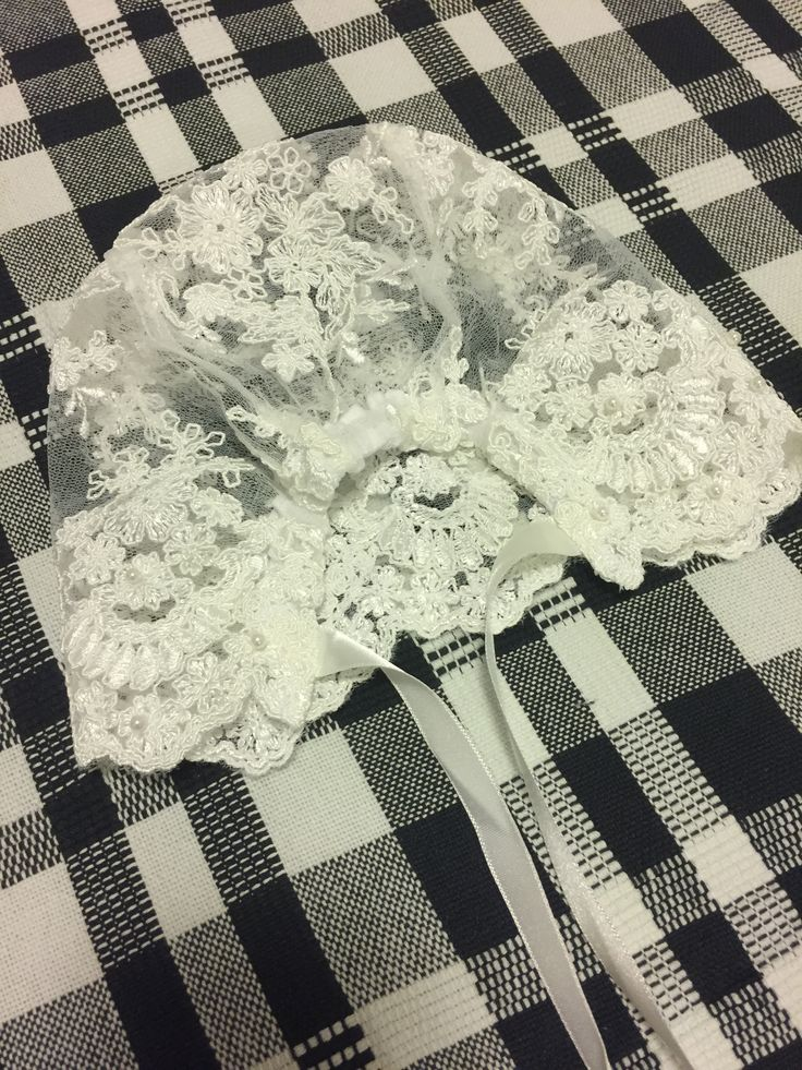 Stunning handmade lace baby bonnet with satin ribbon ties (Back) | Bisou Baby #babybonnet #handmadelacebonnet #christeningoutfit #christeningbaby #bisoubaby