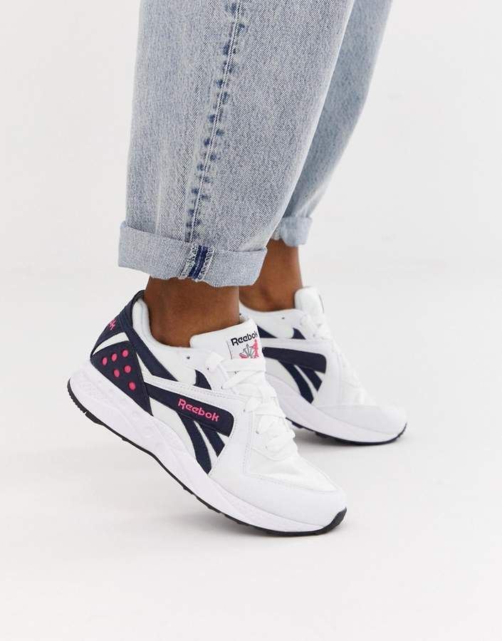 Reebok Pyro sneakers in navy  3cde74dc3