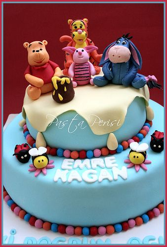 winnie the pooh cakes by pastaperisi, via Flickr