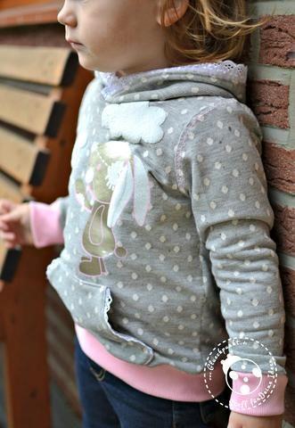 Hoodie - Quatschkopf - Mama Motz - Freebook - Kinder - Nähen - Sommer-Sweat - Nana - Punkte - Glückpunkt.