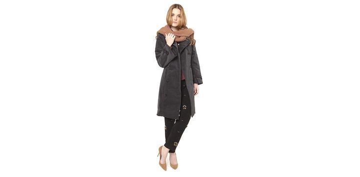Velvet grey trench coat and embroidered trousers. Lookbook Otoño / Invierno 2013 Lio de Faldas