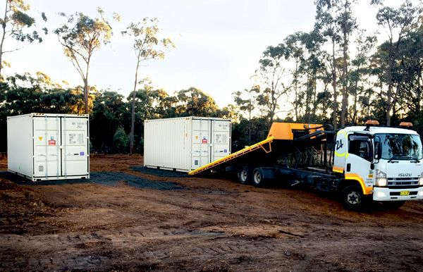 How to position a shipping container for a shelter https://containertraders.com.au/blog/positioning-shipping-containers-shelter/