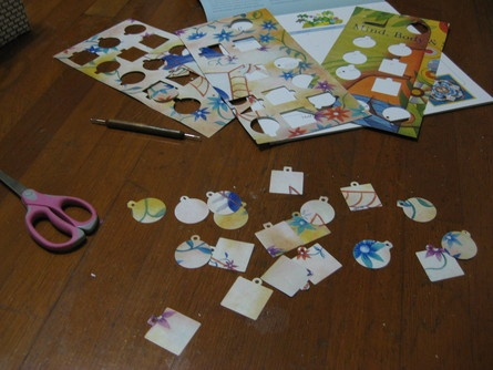Turn your old calendars into gift tags!: Gift Tags, Gifts Tags