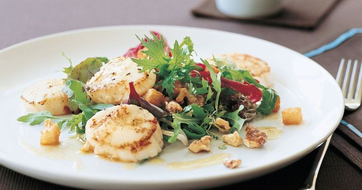 It only takes 10 minutes to cook this beautiful scallop starter.