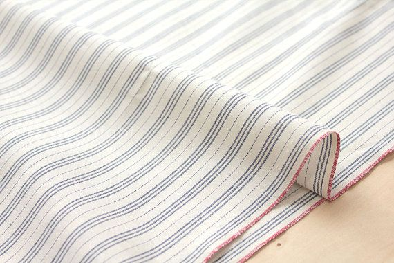 High quality Japanese yarn dyed selvedge cotton.  100% cotton.  Shirting weight. Perfect for garment sewing. 1/2 metre (50cm x 112cm, 19 x 44 wide)