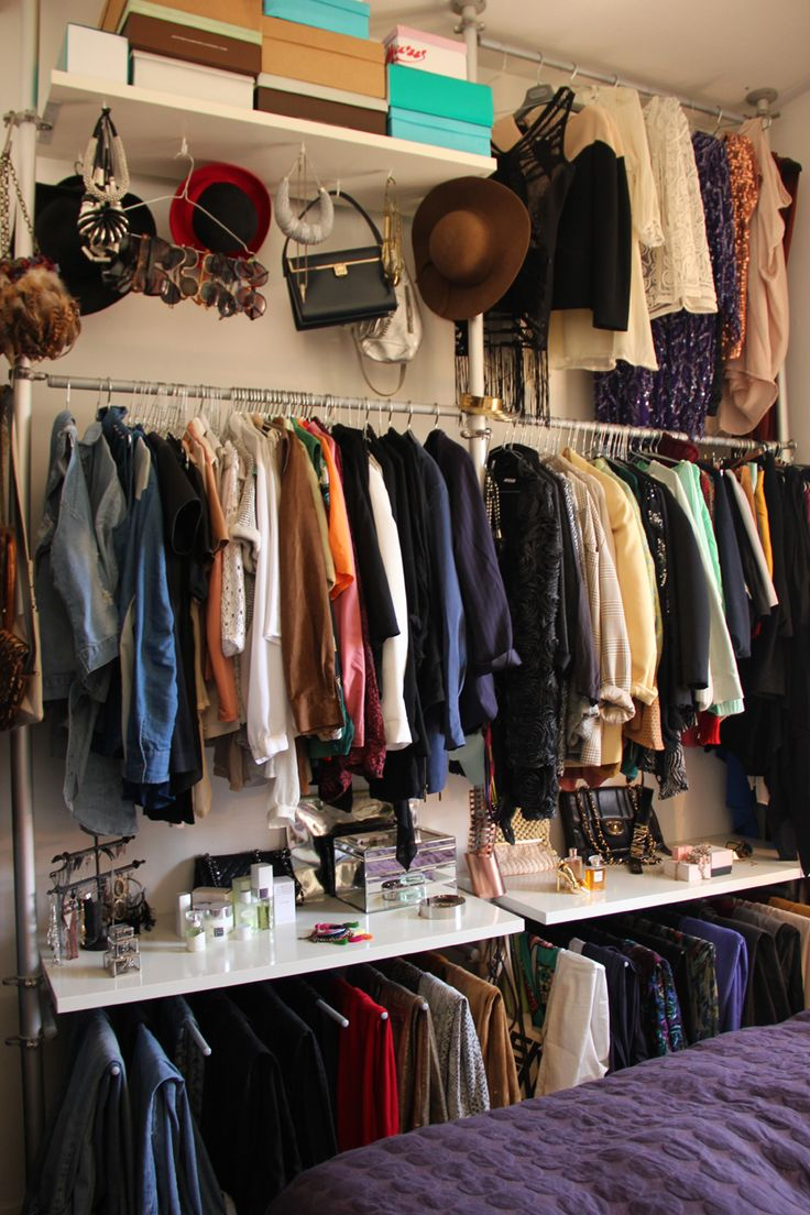 open closet - hanger for hats and acessories