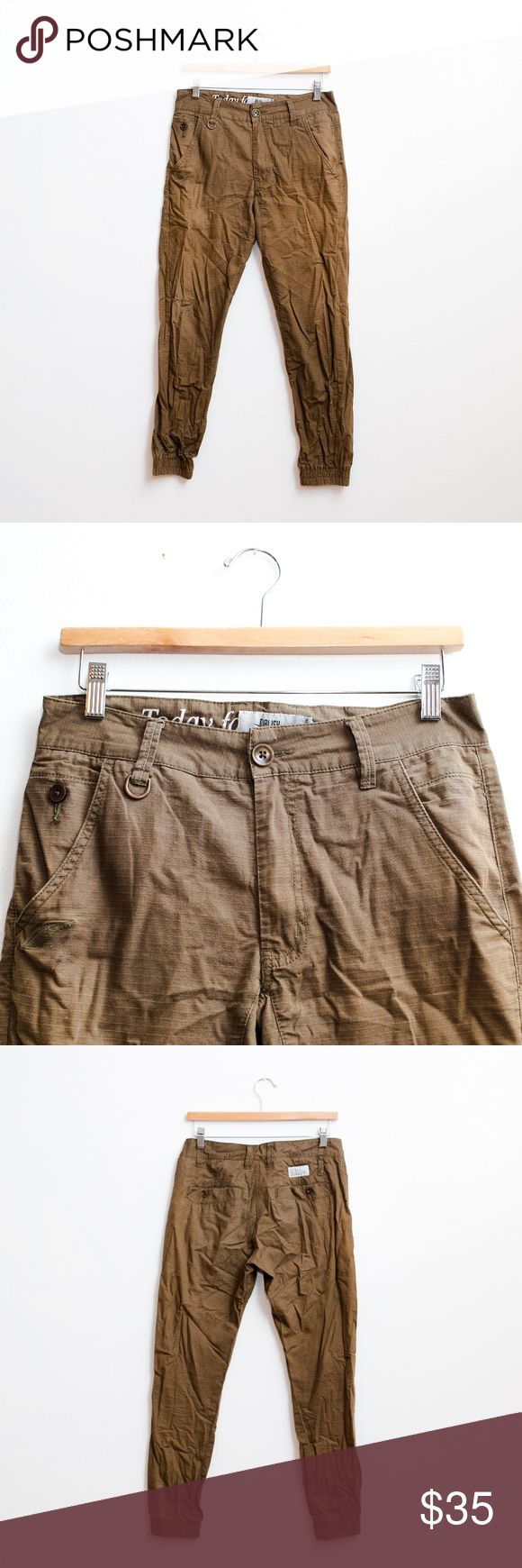 Publish Jogger Pants Brown Worn Publish jogger, has a ripstop looking material but feels like chino, wrinkled. Publish Pants Sweatpants & Joggers