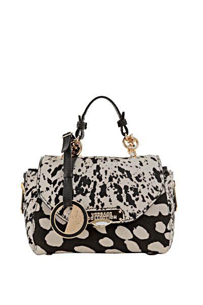 Bolsas y carteras Versace para mujer, bolsos de mano, casuales o de fiesta, catalogo on line, buenos precios, ofertas y promociones.