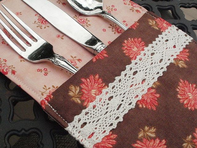 New lace-trimmed flatware pouches. Blogged: [eamylove.blogspot.com/2014/08/august-across-pond-sew-alon...]