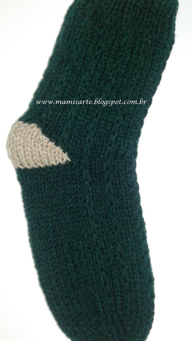Olá! Este outro método para tecer o calcanhar sem furos é mais prático que o método qual postei anteriormente.Utiliza-se somente duas agul...