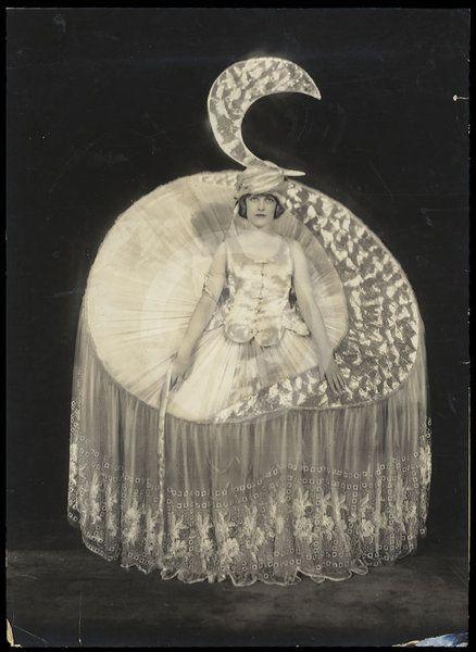 Alfred Cheney Johnston, photographer. Elizabeth (Betty) Morton as Moonlight, Ziegfeld Follies, 1920.