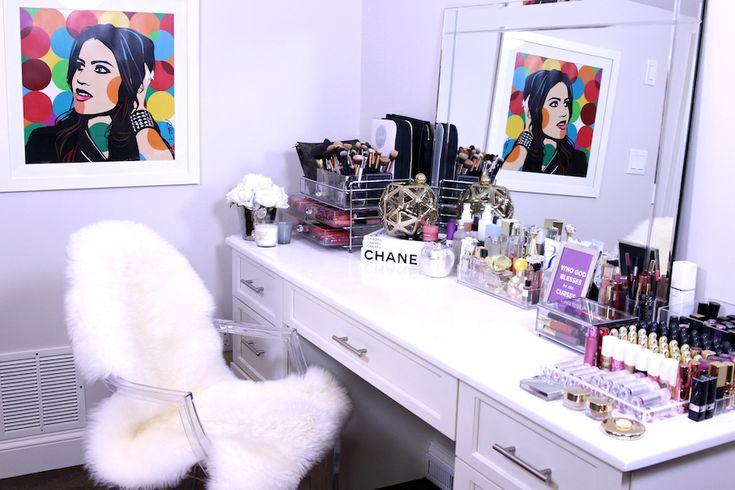 Video: Minha Penteadeira  como organizo minhas makes!