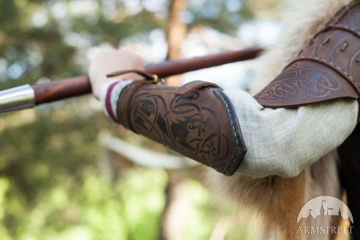 """Bracciale di pelle in stile Vichingo """"Skjaldmaer"""""""