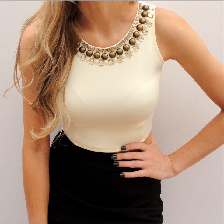 blusa de malha bordada no decote com pedrarias - Pesquisa Google