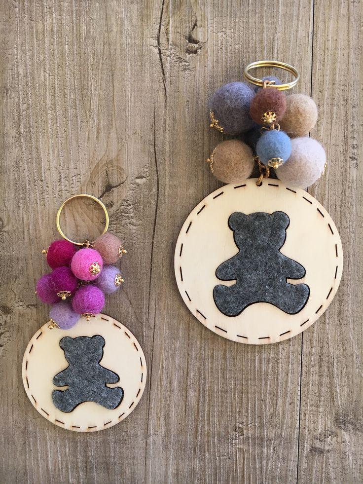 #duepuntihandmade #handmade #handmadewithlove #withlove #doityourself #diy #keyring #bear #felt #pearl #colors #autumn #grey #brown #pink #purple #october #charms #gift #giftidea #foryou #home #haveaniceday #finalmentevenerdi #friday #weekend
