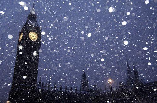 Snowy Night, Big Ben, London  photo via chica