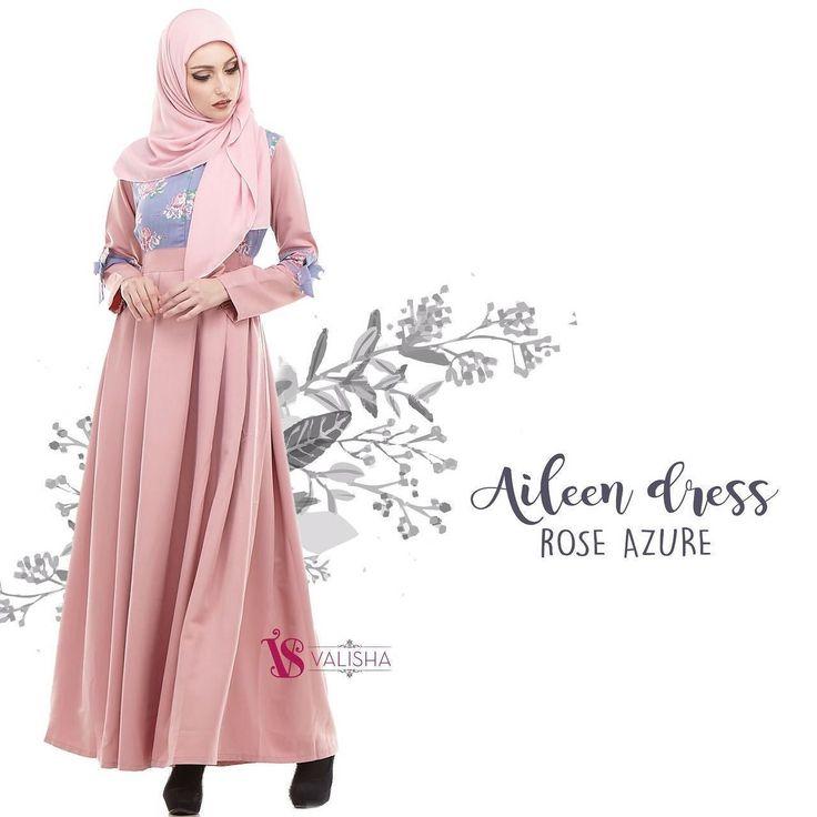 Gamis House Of Valisha Aileen Dress Rose Azure - baju gamis wanita busana muslim Untukmu yg cantik syari dan trendy . . Size Chart (S) LD 94 PB 137 (M) LD 100 PB 140 (L) LD 104 PB 142 (XL) LD 108 PB 145 . . -Bahan: katun mingda mix ZEGNA -Nyaman dipakai seharian bahannya adem banget jatuh dan flowy -Bentuk gamis: Bagian lengan menggunakan resleting wudhu friendly -Busui friendly ada resleting di bagian depan -Bagian pinggang menggunakan karet di samping kanan kirim jadi bisa menyesuaikan…