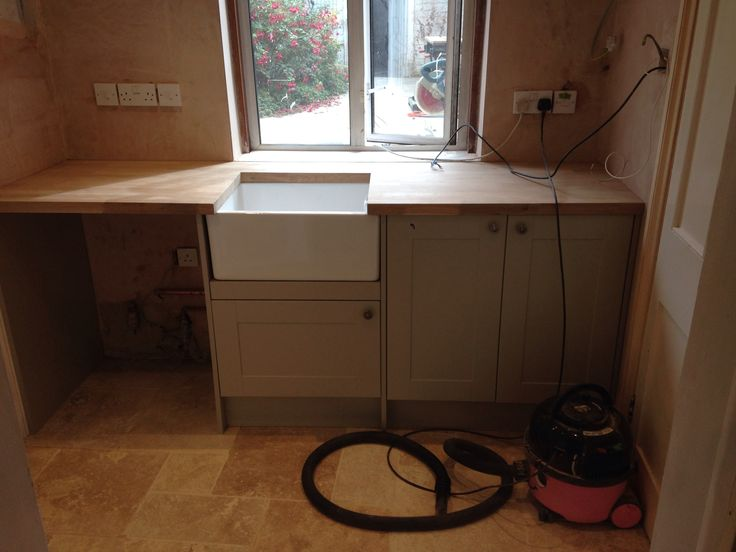 Utility coming on nicely. Also howdens burford grey so it matches kitchen. Belfast sink in utility though as more practical.