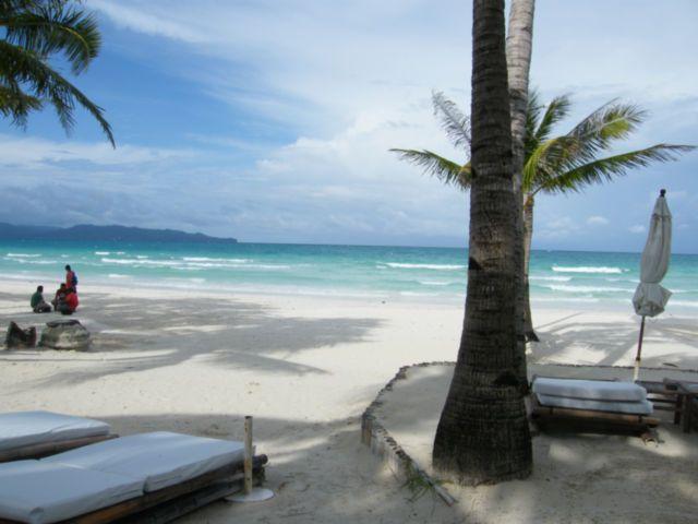 Dette er den ultimative rejse for dem der elsker at slappe af i smukke exotiske omgivelser, svømme ved fantastisk dejlige strand på smukke tropiske øer, snorkle på farverige koralrev og have mulighed for en udflugt i ny og næ. Det er ren afslapning og næring for krop og sjæl.