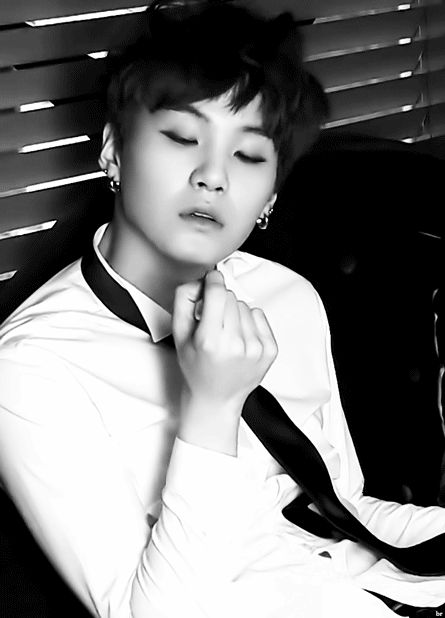 BTS SUGA he's like what now?! xD