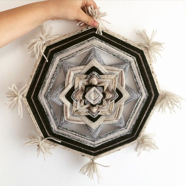 8-sided monochrome ojo de dios