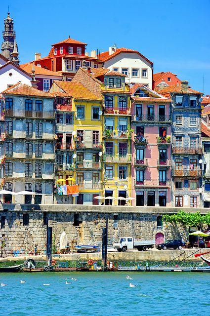 RIBEIRA DO PORTO /  PORTUGAL  #travel #portugalcarrental
