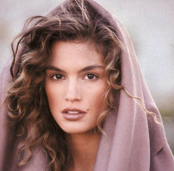 There is nothing more perfect then vintage Cindy Crawford