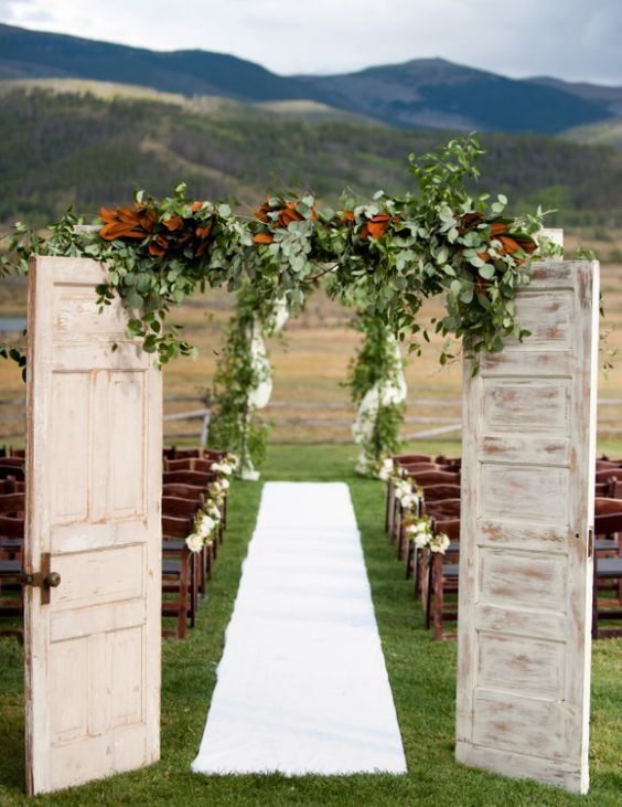 Wedding ceremony idea; Photographer: Brinton Studios