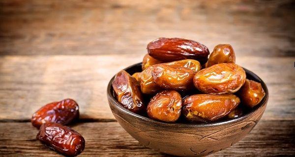 7 propriétés curatives des dattes qui vont vous convaincre d'intégrer ce superbe aliment dans votre routine alimentaire quotidien.
