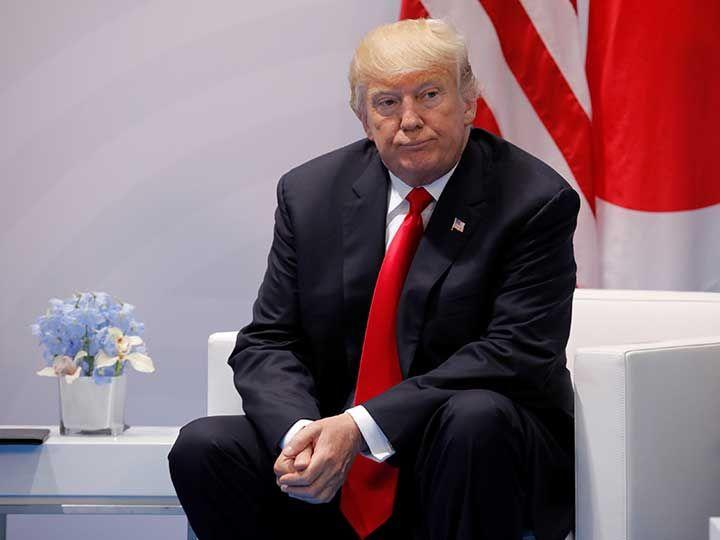 El senador Charles Schumer consideró que, el presidente de EU no representó a los ideales del país; consideraba que lo más bajo fue su reunión con Putin