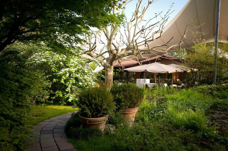 Il giardino esterno del ristorante Pierino Penati