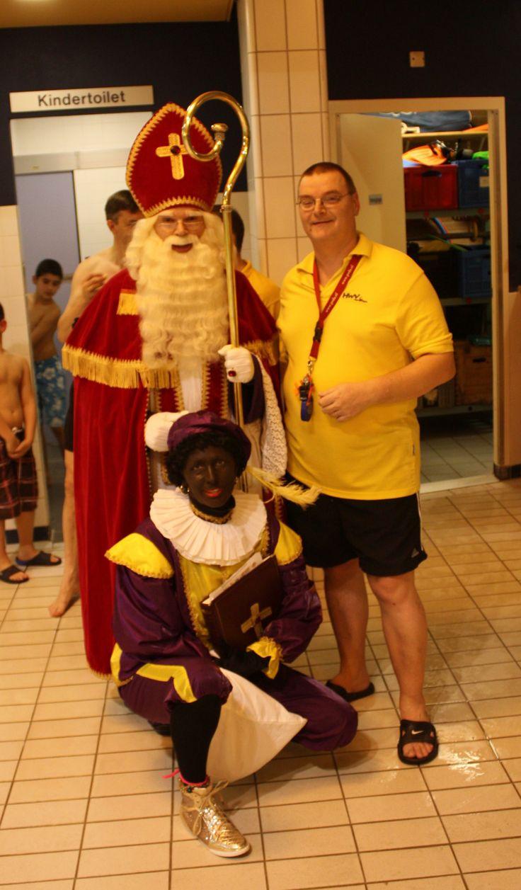 Sinterklaas feest bij de Haagse Watervrienden in zwembad 'de Schilp' in Rijswijk (29-11-2013)