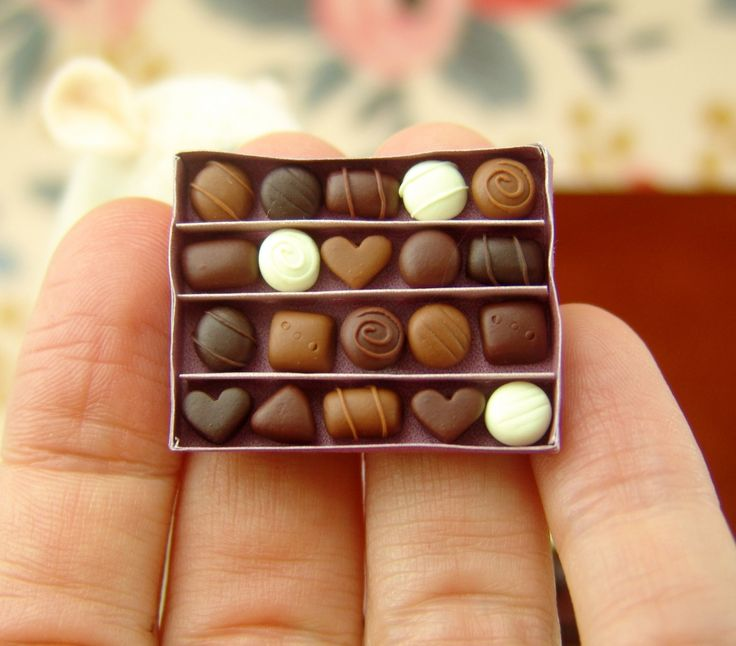 Dollhouse Miniature Chocolates Box - Free Printable  // The Mouse Market Blog