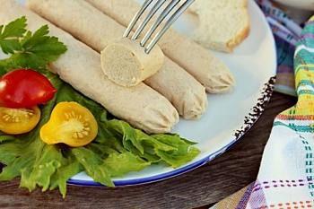 Домашние сосиски из индейки - рецепт с пошаговыми фото / Меню недели