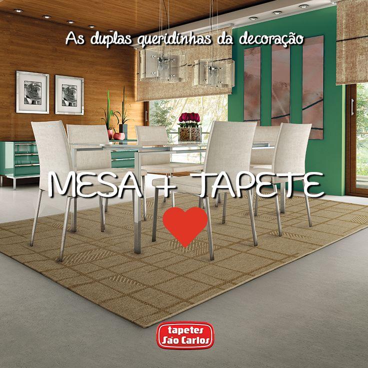 Um tapete tem o poder de agregar os elementos da decoração. Em uma sala de jantar, ele tornará o espaço ainda mais convidativo para seus almoços e jantares em família e amigos!  Coleção Bali, Mate.