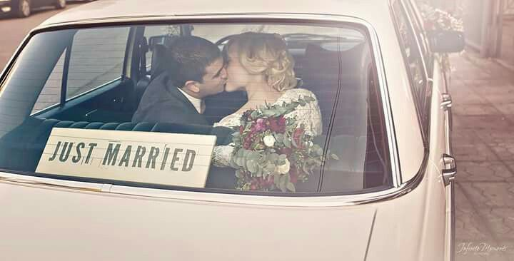 Just married vintage wedding sign - Wedding stationery