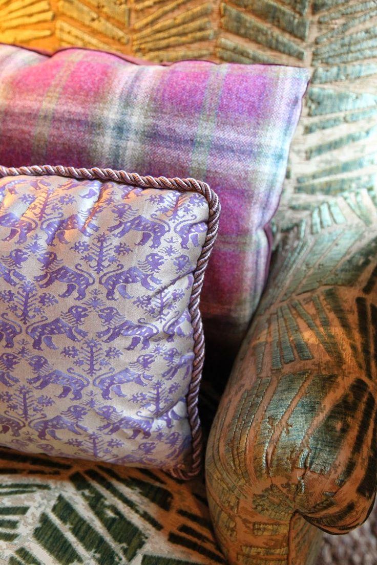Pin baroque bed purple velvet fabric with rhinestones and black - Alexa Hampton At Kips Bay Brunschwig Fils Crystallo Figured Velvet
