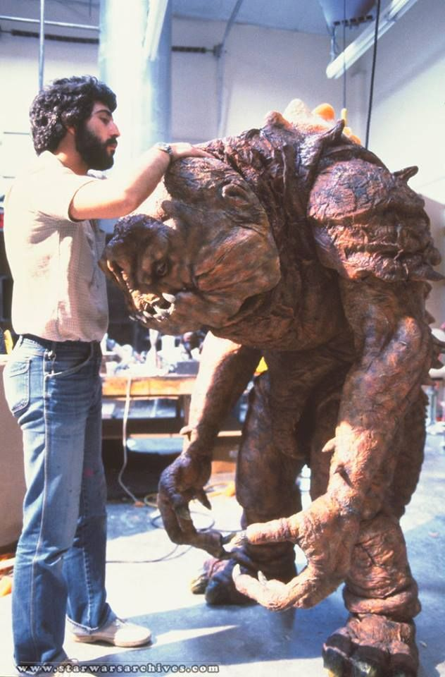 Rancor finishing touches - behind the scenes on Star Wars Return of the Jedi