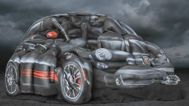 Fiat 500 Abarth Ad fpr ESPN - an Abarth made of twelve women and a lot of Bodypainting  http://www.autorevue.at/fiat/ein-abarth-wie-zwolf-damen.html