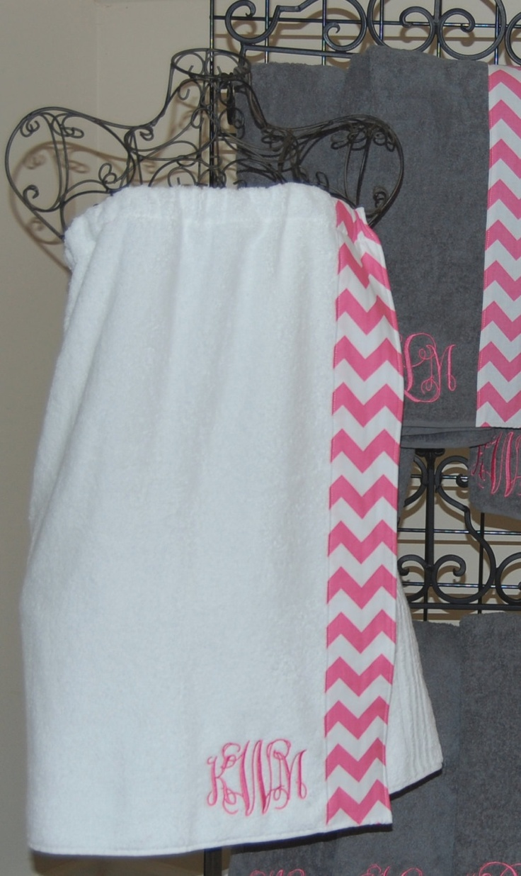 Monogrammed towel wrap with pink and white chevron trim oakley