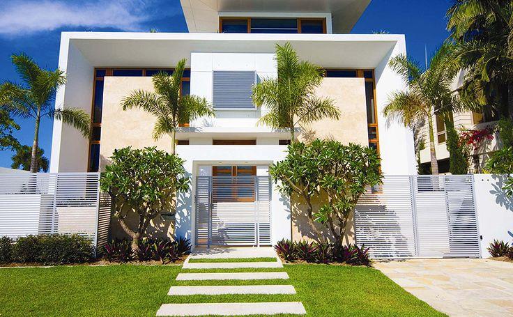 Decor Salteado - Blog de Decoração | Construção | Arquitetura | Paisagismo: 20 Fachadas de casas modernas com muros e portões!