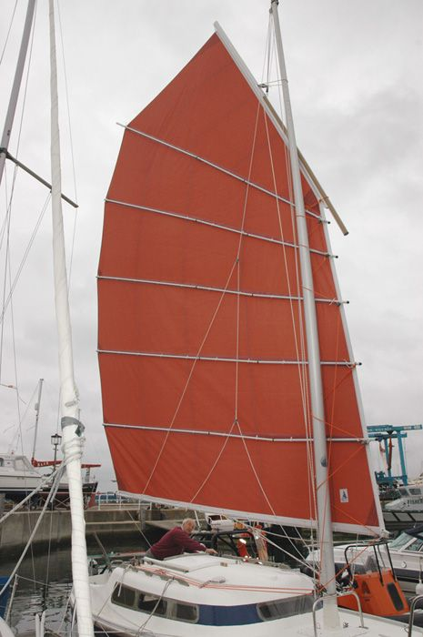a junk boat sail    http://www.submarineboat.com/images/sailboat/China_Girl_Hinged_Battens.jpg