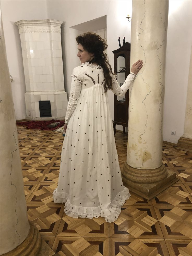 A cotton muslin round gown made according to the fashion plate, Gallery of Fashion, November 1795. The dress is made according to the extant embroidered muslin round gown, c. 1795 in the Kyoto Costume Institute, is embroidered with color silks and spangles. All is hand sewn.